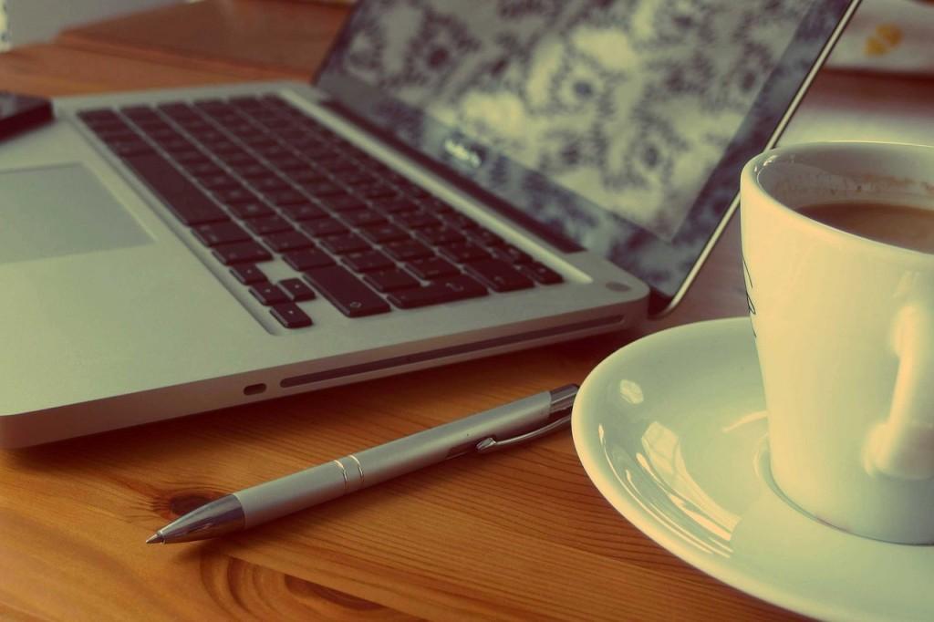 macbook-925480_1280